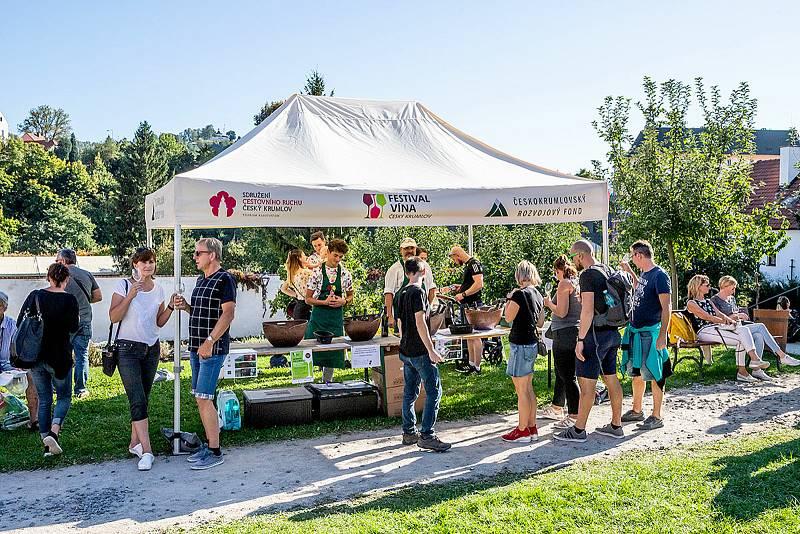 Svatováclavské slavnosti a Mezinárodní folklórní festival roztančily historické jádro Českého Krumlova.