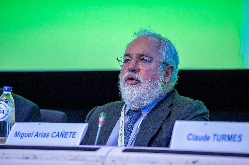 Miguel Arias Cañete, evropský komisař pro energetiku a ochranu klimatu, na předávání ceny Evropské komise v oblasti udržitelné energetiky v Bruselu.