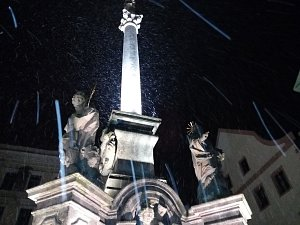 Na Krumlovsko se snáší první sněhová nadílka letošní zimní sezóny.