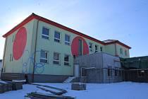 Přístavba Základní málotřídní školy v Dolním Třeboníně.