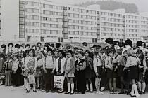 Otevření ZŠ Plešivec 3. září 1979.