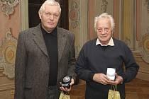 Ve velmi ceněné kategorii Zasloužilý tělovýchovný pracovník byla dekorována pětice letošních jubilantů v čele se sedmdesátníkem Rudolfem Pavlem a stále neuvěřitelně svěžím osmdesátníkem Tomášem Šafránkem (zleva).