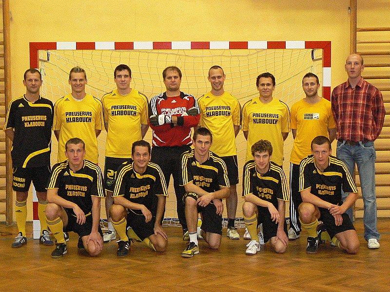 Kádr větřínských Bombarďáků doznal oproti minulé sezoně řady změn, příchody ovšem převažují (na snímku tým, s nímž jde okresní zástupce do bojů 1. Red futsal ligy).