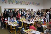 Nástup dětí do kájovské školy.