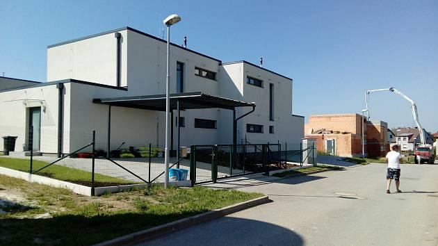 Bytová výstavba ve velešínské lokalitě Na Vrších.