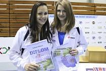 Krumlovské dívky Sabina Milová a Nela Kavalírová na MČR ve čtyřhře potvrdily nasazení turnajové trojky.