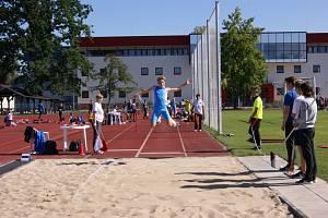 Jakub Janda vybojoval v krajském atletickém pětiboji krásné druhé místo.