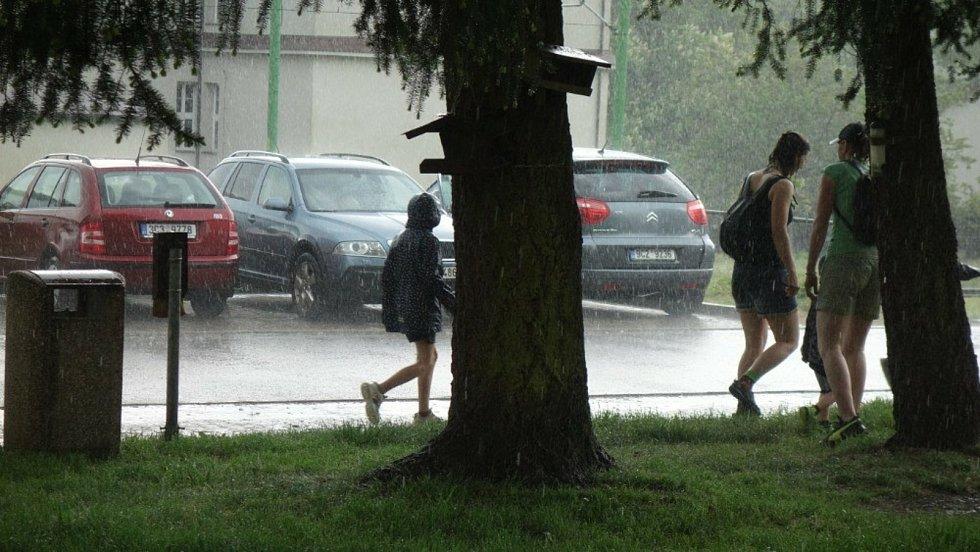 Akci pro děti v Loučovicích přakazila a rozprášila průtrž mračen.