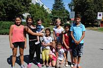 Děti z Větřní tráví prázdniny hlavně venku a do školy se už těší.