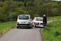 Chatař blokoval silnici účastníkům krumlovské rallye.