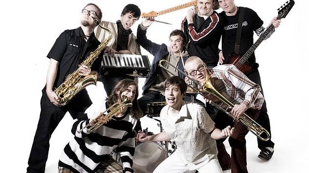 Pub Animals jezdí koncertovat i do zahraničí. Nejsilnější fanouškovskou základnu mají na Českokrumlovsku a Českobudějovicku.