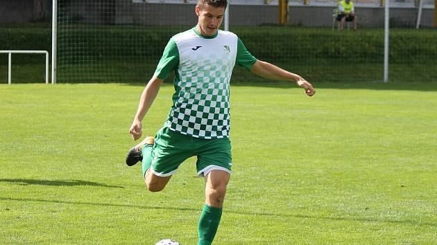 Záložník Martin Svoboda se postaral o vedoucí gól Krumlova, který Sezimovo Ústí zdolal 3:0.