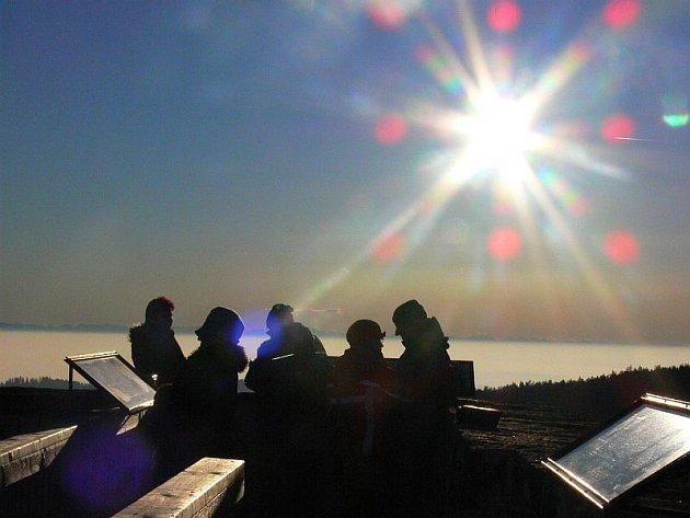 Vítkův Hrádek s výhledem na Alpy.