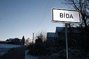 Do školy v Besednici na Českokrumlovsku chodili vrah i oběť. V Bídě žili.