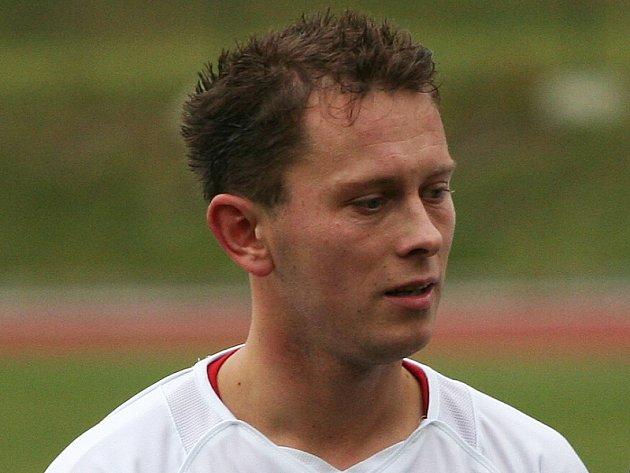 Jan Peťule stačil za pětadvacet minut na hřišti vstřelit po chybě týnského gólmana šťastnou třetí branku.