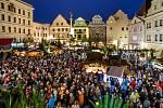 První adventní neděle a rozsvícení stromu na krumlovském náměstí.