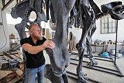 Model kostry pravěkého mamuta připravoval pro hlubockou ZOO sochařský tým Zdeňka Chmelaře od ledna do června 2018.