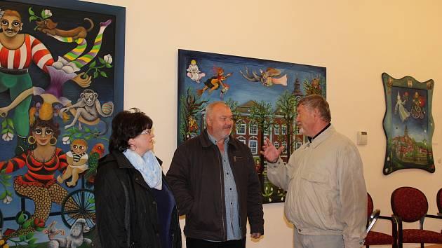 Ujít byste si neměli nechat výstavu známé malířky Emmy Srncové v českokrumlovských klášterech.