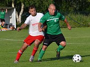 OP muži - 22. kolo: Sokol Křemže (bílé dresy) - Dynamo Vyšší Brod 5:1 (1:0).
