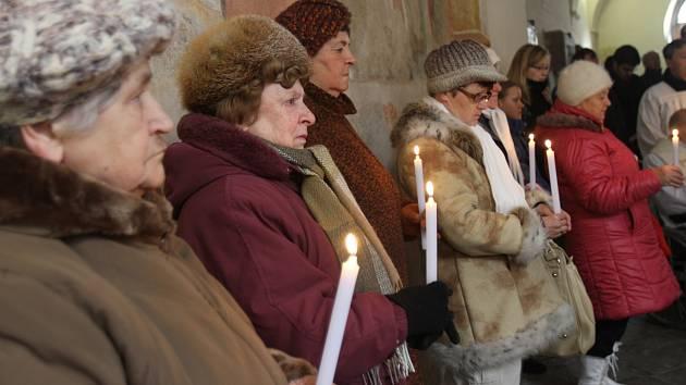 Svěcení svíček na hromnice.