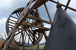 Na Jakobínce na hradě Rožmberk se roztočilo kolo repliky středověkého jeřábu.
