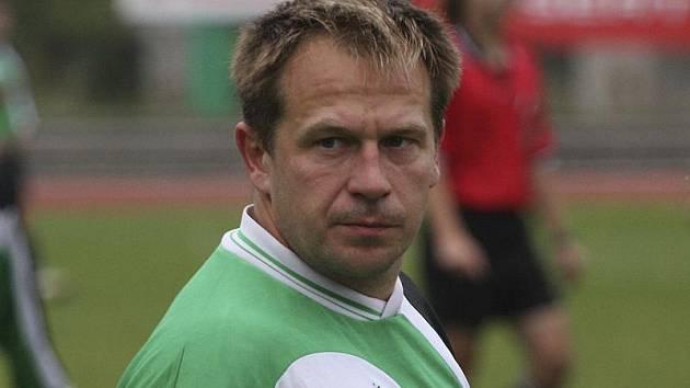 První a nakonec rozdílovou branku utkání zaznamenal v 17. minutě derby hornoplánský ostrostřelec Vojtěch Ryneš.
