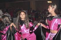 Romské tance jsou plné temperamentu.