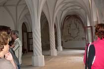 Prohlídka restaurovaných klášterů a klášterního kostela.