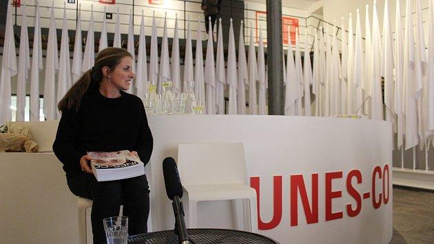 Kateřina Šedá představila knihu UNES-CO