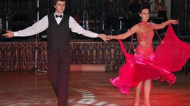 Alena Švambergová se svým tanečním partnerem Jiřím Stejskalem.