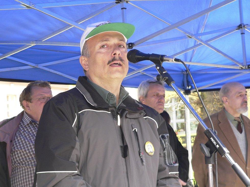 Do Horní Plané přijel také bývalý ministr životního prostředí Miloš Kužvart.