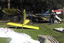 V sobotu krátce před tři čtvrtě na jedenáct dopoledne spadl v osadě Bělá u Nové Pece ultralight s dvoučlennou posádkou.