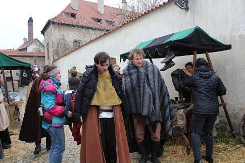 Režisér Daniel Habrda pohádku natáčel v českokrumlovském Prokyšově sále, na Novém Městě a na nádvoří Městské knihovny.