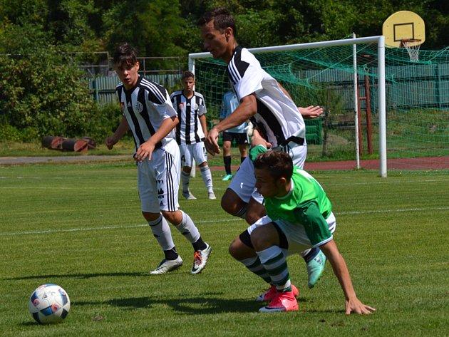 Fotbalová příprava: FK Slavoj Český Krumlov (zelené dresy) – SK Dynamo České Budějovice U19 1:0 (1:0).
