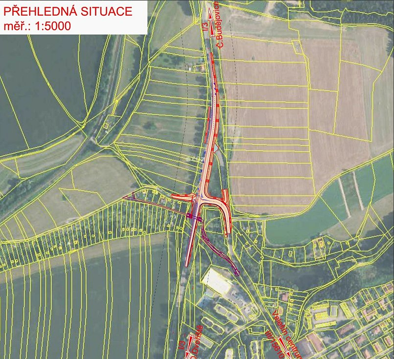 Přestavba křižovatky u Velešína je na spadnutí.