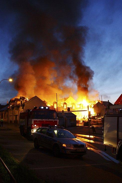 Požár dvoupodlažního domu v Kaplici.