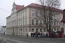 Gymnázium a Střední odborná škola ekonomická v Kaplici.