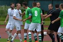 Fortuna Divize A – 29. kolo: FK Slavoj Český Krumlov (zelené dresy) – FC Viktoria Mariánské Lázně 1:1 (0:0) na penalty 4:5.