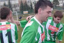 Až do 88. minuty vydržel úsměv na tváři fotbalistů Slavoje. Pak přišla studená sprcha.