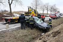 Vážná dopravní nehoda osobního automobilu u Velešína.