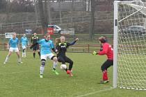 Fotbalová divize žen, sk. D – 10. kolo: FK Spartak Kaplice (modré dresy) – TJ Hradiště 2:1 (2:1).