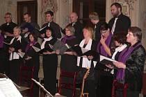 Koncert souboru Chairé Příbram a krumlovského sboru Divina Musica.