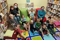 Děti z Rodinného centra Krumlík strávily příjemné odpoledne v krumlovské knihovně.