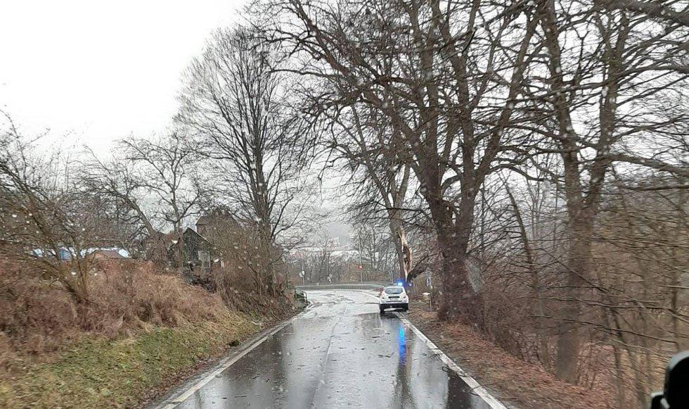 Silnice u Rožmberka nad Vltavou.
