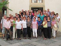 Senioři z Vyššího Brodu letos vyrazili, na pozvání senátora Tomáše Jirsy, i do Prahy.