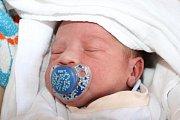 Mirek (7), Veronika (5) a Rafael (1) se 19. března 2015 dočkali dalšího sourozence. David Sivák se narodil ve 12:55 smírami 49 centimetrů a 3345 gramů Daniele Sivákové a Miroslavu Ferencovi zVětřní. U porodu asistovala maminky kamarádka Nikola.