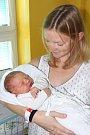 Prvorozený Kryštof Janoušek spatřil světlo světa 21. července 2015 ve 12 hodin a 34 minut, měřil 51 centimetrů a vážil 3640 gramů. Manželé Veronika a Petr Janouškovi, kteří byli u porodu společně, budou svého potomka vychovávat vLišově.