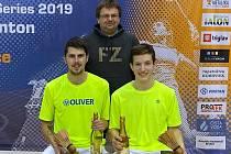 Českokrumlovský badminton budou v exhibici Čechy vs. Morava reprezentovat trenér Radek Votava a deblisté Jaromír Janáček s Tomášem Švejdou.