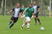 Kaplické béčko (v černo bílém) doma v minulém kole OP nadělilo Horní Plané devět gólů.