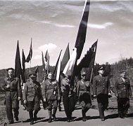 Průvod na 1. máje v Loučovicích v roce 1950.
